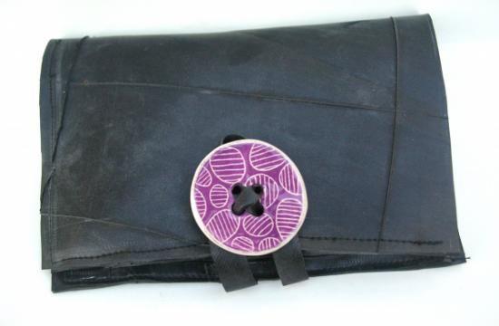 portafogli da donna in camera d'aria con bottone in ceramic portafogli da donna in camera d'aria camera d'aria di trattore,camera d'aria di biciclet,ceramica artigianale cucito riciclato