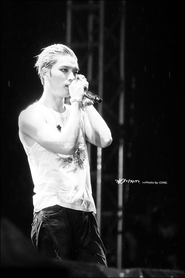 Google theme jaejoong - Wet Jaejoong Jyj Concert In Vietnam Aug 30 2014