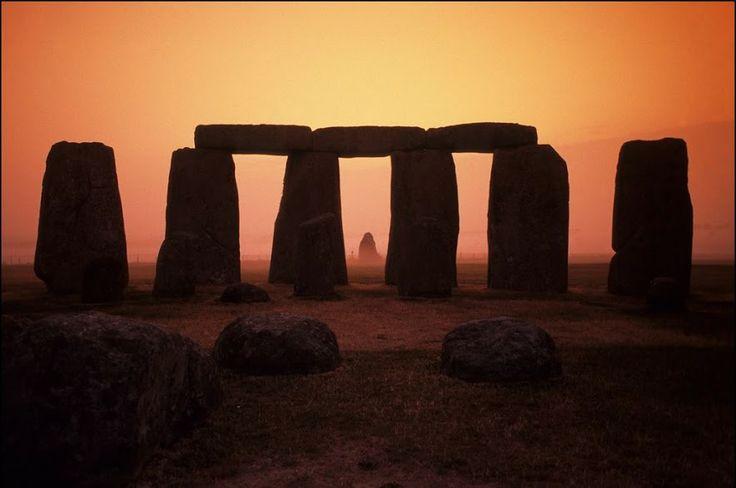 Pin by Madalina on Architecture | Stonehenge, Underground ...