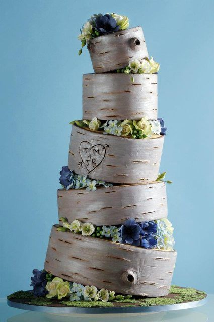 Woodland themed topsy turvy wedding cake #wedding #weddingcake #wood #rustic #woodland