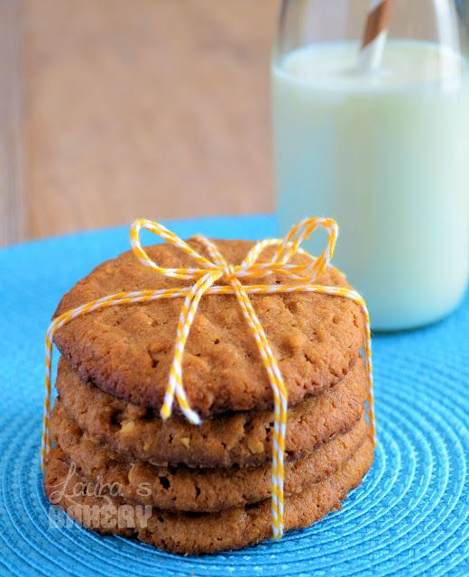 Chewy peanutbutter cookies - Laura's Bakery