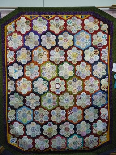 quilt: Hexagon Quilts, ️ Patchwork Hexagons, Outstanding Hexagon, Hexagons Happiness, Hexie Quilt, Quilts Hexagons