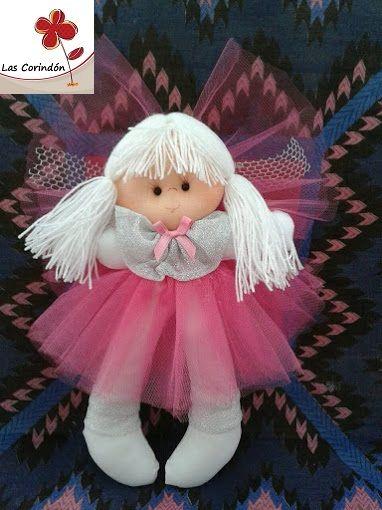 Consuelo mediana con vestido de tul rosa. Viene en otros tamaños y colores.