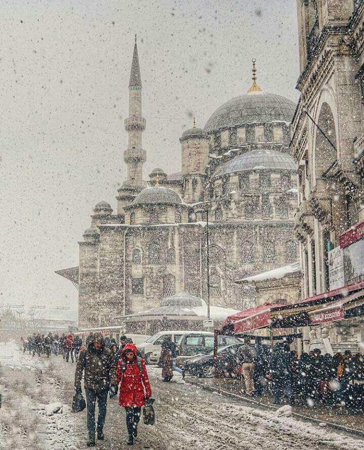 Istanbul Turkey http://666travel.com/top-10-tourist-attractions-in-istanbul-turkey/