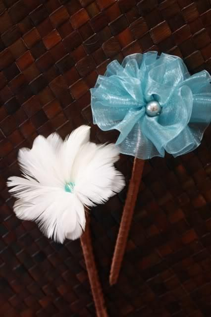 DIY How to Make Feather and Fabric Flower Pens Tutorial : DIY Wedding