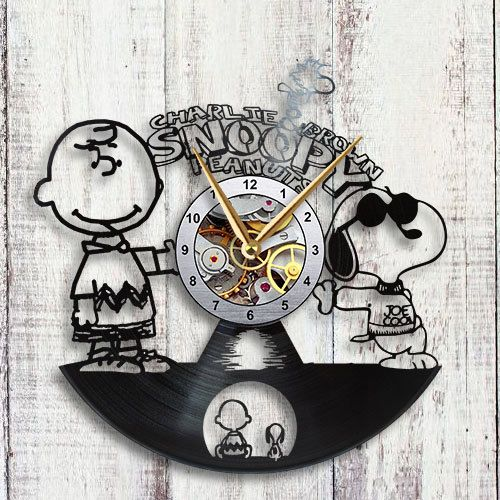 Reloj de pared de registro de Charlie Brown & por VinylTheClock
