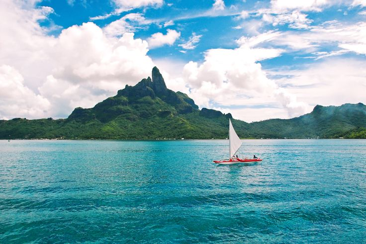 75. Sail the islands of Tahiti