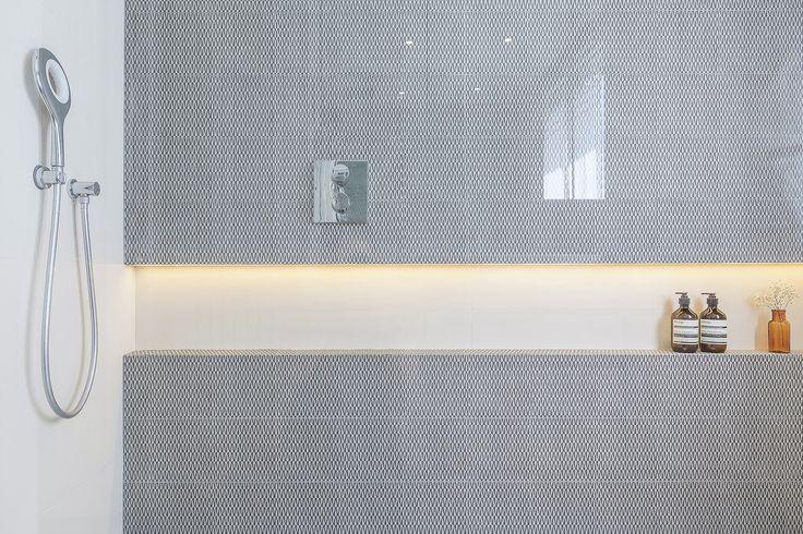 carrelage MUTINA niche rétroéclairée en LED