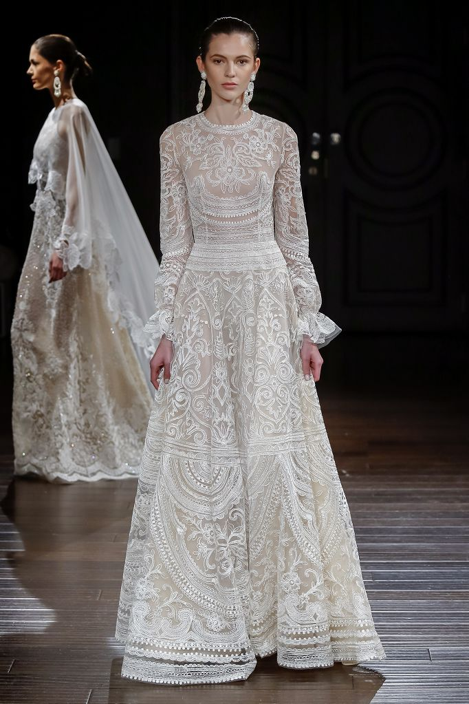 Naeem Khan Wedding Dress Collection Spring 2017 New Mexico | White, lace , long sleeved wedding dress | Witwoobox