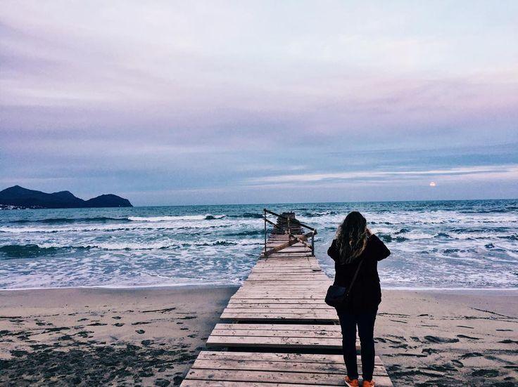End of Season: in der verlassenen Touristenhochburg / #murobeach #muro #mallorca #beach #beachlife #waves #wanderlust #travelgram #mehrmeer17 #latergram #travelphotography #cloudporn #clouds #sundown #sunset_madness #diewocheaufinstagram #lifeisabeach