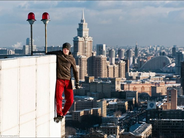 Best Colgados Images On Pinterest The Edge Southern And Art - Daredevil films extreme parkour on top of skyscraper