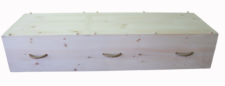 This rope handled pine casket is from Connecticut Casket Company. It is certified for Orthodox Jewish burials by a Rabbi and is also Green Certified.
