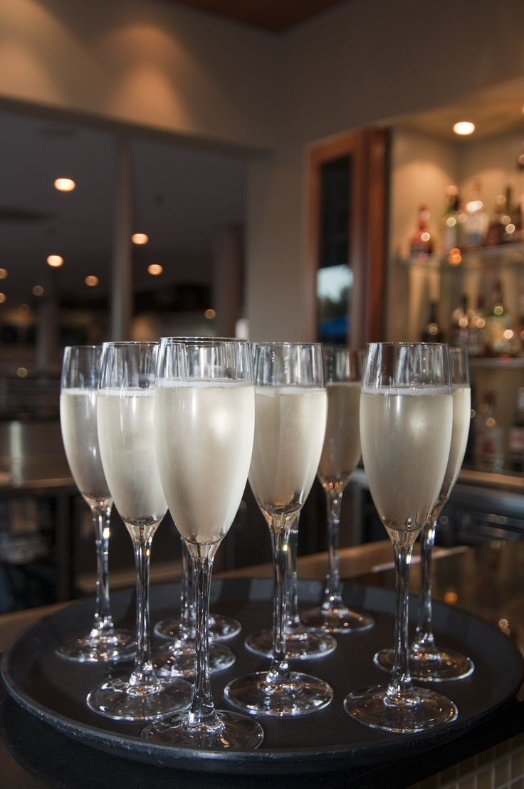 Happy hour at the Copthorne Bay of Islands Cafe Bar #cocktail #bar #travel #hotel #restaurant #newzealand