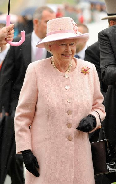 Queen Elizabeth II Photo - Epsom Derby Festival 2009