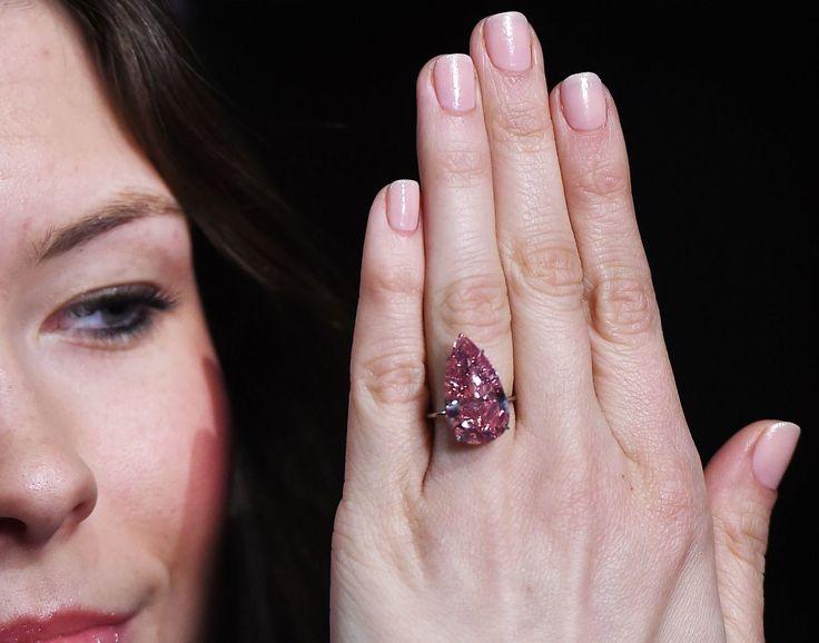 Ярко-розовый бриллиант