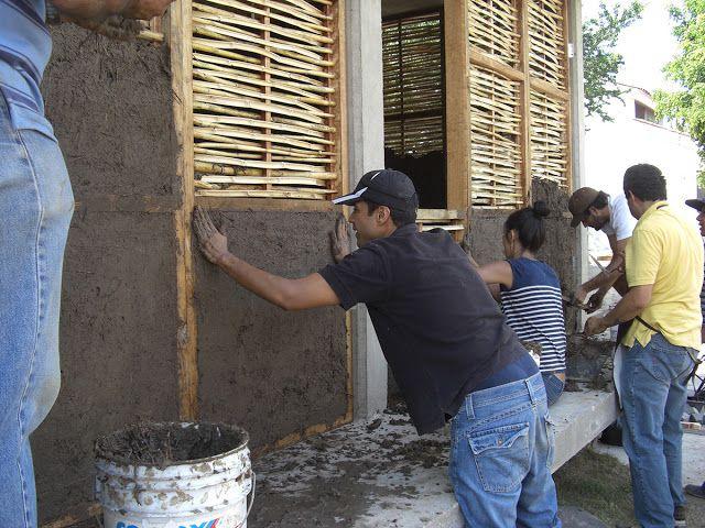 ARTEGUADUA COLOMBIA : México,Guadalajara un edificio comunitario de muros de bahareque y Bambú