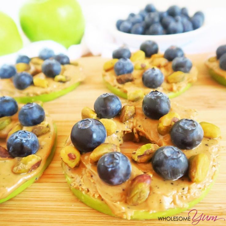 Blueberry Pistachio Apple Sandwiches (Paleo, Low Carb) | Wholesome Yum…