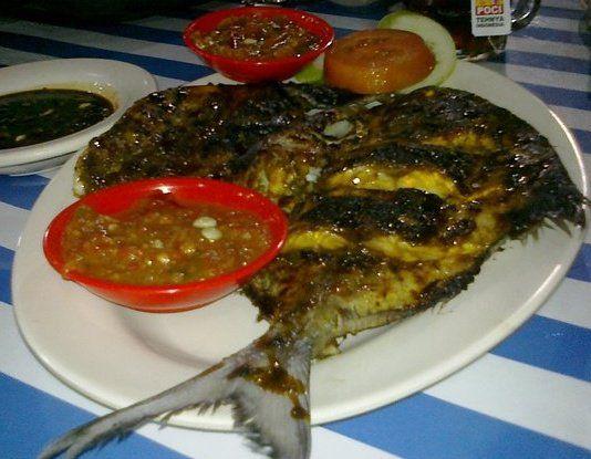 Ikan bakar & 3macam sambal