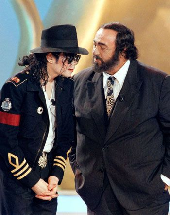 MJ and famous tenor Luciano Pavarotti during Italian TV Show Gran Premio Internazionale della Televisione Milan Italy May 5 1997 | Curiosities and Facts about Michael Jackson