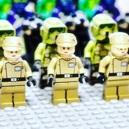 What are you looking at?  #WeLoveWhatYouBuild #wlwyb #lego #legostagram #toys #toyslagram #toystagram #design #legominifigures  #legoshop  #legostarwars  #cute  #smile  #friends  #minifigures  #starwars  #strawarsfan  #starwarsart  #starwarsdaily  #starwarstoys  #starwarslego  #legocity  #stormtroopers  #lego_hub  #afol  #legominifigs  #fandom  #favorite  #rebels  #fiction