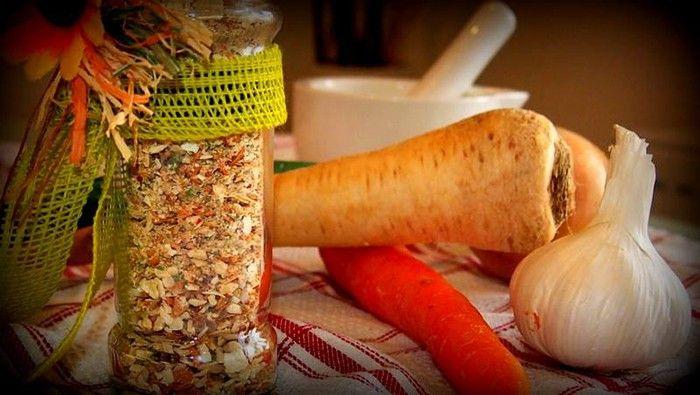 Chuť domácí vegety je nenahraditelná. Víte, co obsahuje a nemusíte se bát přidat ji do jídla. Je mnohem zdravější než kupovaná.