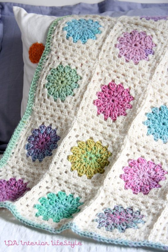 pictures of granny square crocheted blankets | rainbow granny square blanket