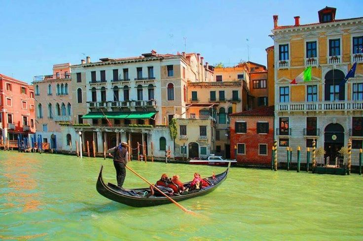 ltary burano river iland beautiful colorful buildings nice