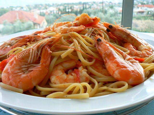Kitchen Stori.es: Λινγκουίνι με Γαρίδες και Ούζο