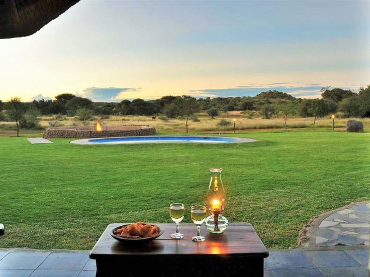 Wag 'n Bietjie - Wag 'n Bietjie is situated on a private game reserve on the outskirts of Kimberley, in the Northern Cape.The lodge comprises of two spacious and beautifully decorated rooms, which both feature private ... #weekendgetaways #kimberley #diamondfields #southafrica