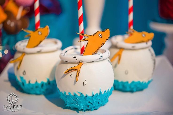Goldfish cake pops