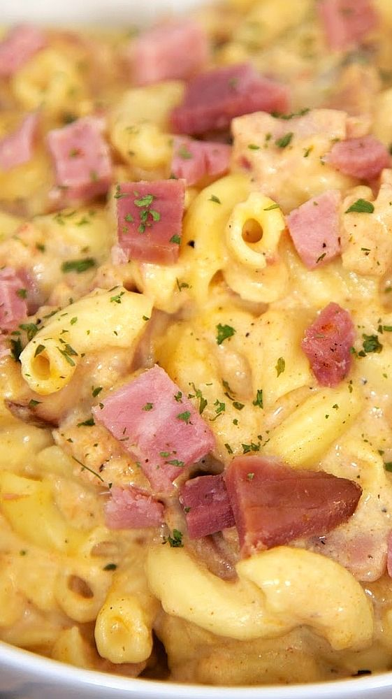 Slow Cooker Macaroni & Cheese with Ham