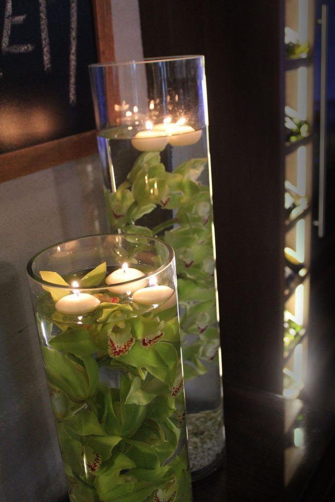 kwiaty i dekoracje jako wystrój restauracji na imprezy, storczyki w tubie