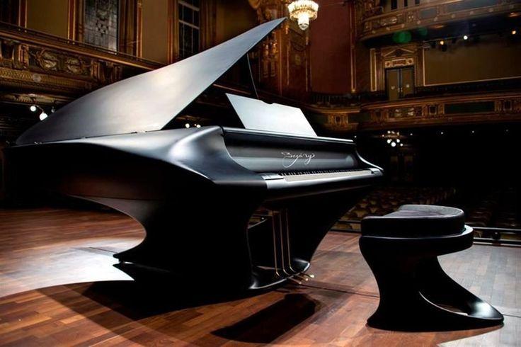 Tras 10 años de desarrollo, fue presentado en Hungría el Bogányi: un piano de cola, de sólo dos patas, con una estructura de policarbonato... http://1502983.talkfusion.com/es/