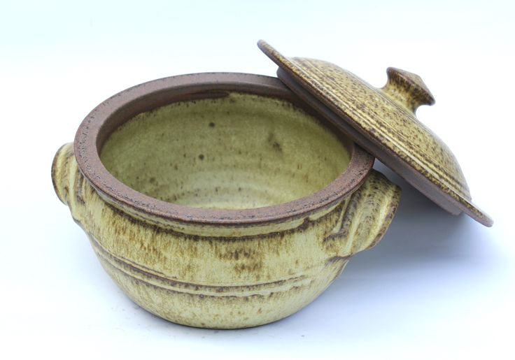 Kitchen ware from Aylesford Pottery
