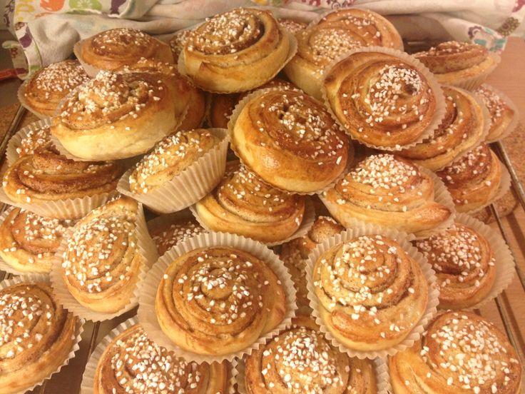 Swedish Cinnamon Buns – Kanelbullar. Cheer up your life with this special treat! #kanelbullar #sweden #cinnamonbuns #cinnamon #fika #coffee #break #sweets #eurpoe #scandinavia #dessert #treat #tradtion #recipe #foodies Find the recipe here: http://travellingforfoodies.tumblr.com/post/112696475684/swedish-cinnamon-buns-kanelbullar-i-m-sure-you