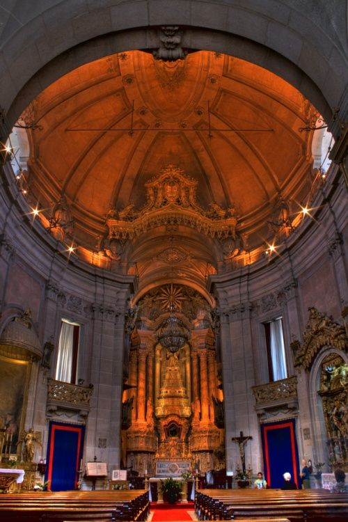 Interior da Igreja dos Clérigos www.webook.pt #webookporto #porto #igreja