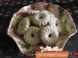 Biscotti pasta frolla montata con sparabiscotti