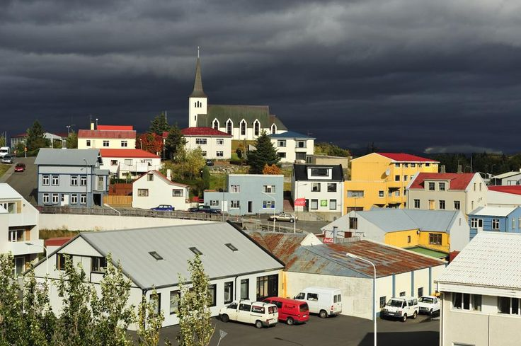 Tourists annoy Icelanders by knocking on doors requesting free place to stay http://www.independent.co.uk/travel/news-and-advice/iceland-tourism-upset-local-free-stay-overcrowding-damage-hotels-resorts-airbnb-a7804046.html