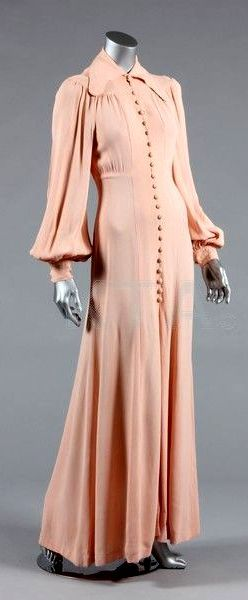 HISTORICAL 1970 AMAZING DRESSES