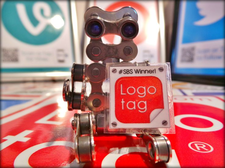 Hey guys I'm Mickey the #socialmedia install bot for my buddies @Logotag® - Social Media Marketing® - Social Media Marketing and I'll be bringing you behind the scenes action from all my installs ☞ #mickyblueeyes