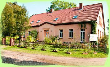 Brandenburg - 5 Appartements in ruhiger Lage am Ende des Ortes inmitten eines romantischen Refugiums. Für 2 bis 6 Personen