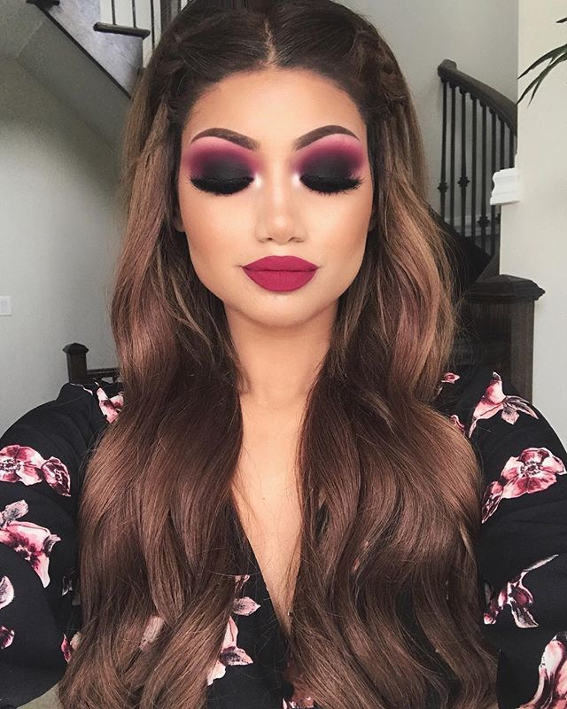 """Black smokey eye - Spring editon 🌺  Eyes: """"Bueno fresco"""" and """"love letter"""" from @anastasiabeverlyhills Modern renaissance palette """"Flamingo"""" and """"black truffle"""" from @hudabeauty Rose gold palette  @lillylashes in the style """"ALINA""""  @toofaced melted matte liquid lipstick in """"Bend and snap"""""""