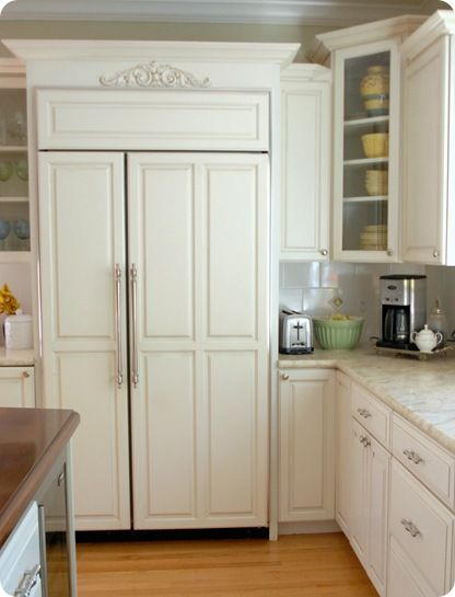 L<3ve that the refrigerator blends in with cabinetry. Doing this. - 7 Best Images About Refrigerators With Panels On Pinterest