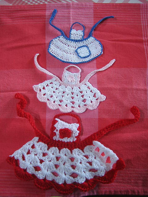 Little Aprons - free crochet pattern Australian and American terms COULD FIT BARBIE