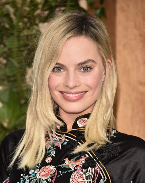 Margot Robbie's Side-Parted 'Do - The Most Gorgeous Hairstyles From Our Favorite Celebrities - Photos