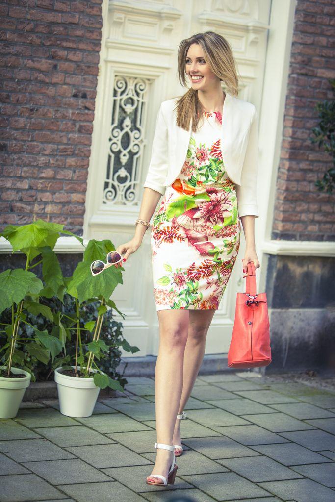 Gezien in de folder voorjaar 2014   #blazer #jurk   #bloemenprint   promiss.nl