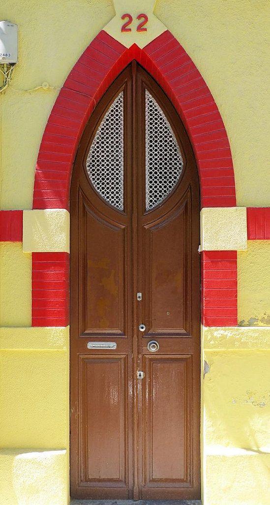 https://flic.kr/p/WabC4h   Barcelona - Comte de Güell 022 d   Cases barates Fomento Propiedad  1913  Architect: Juli Maria Fossas i Martínez