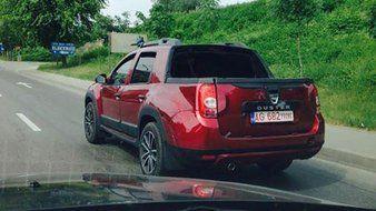 Insolite : un Dacia Duster Pick-Up Double Cabine surpris en Roumanie