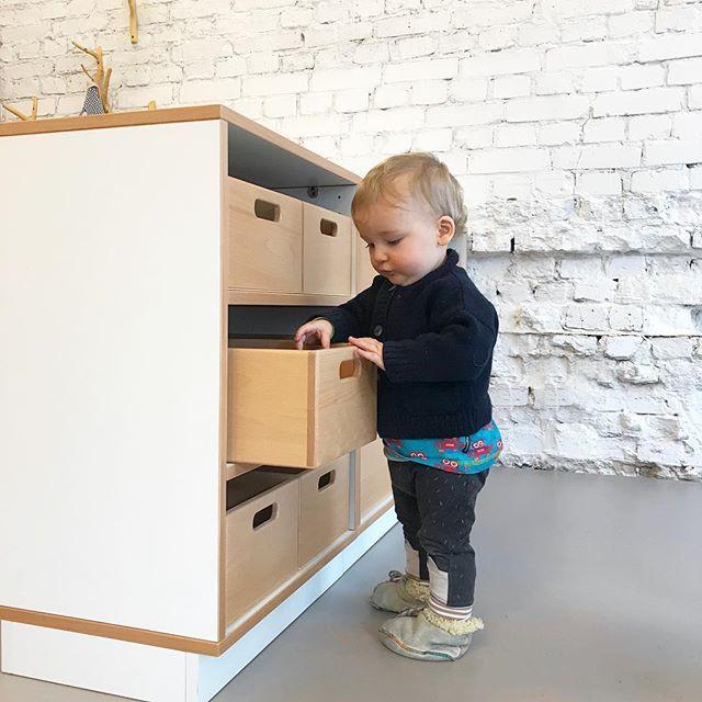 Lieblingsbeschäftigung aus-und aufräumen! * * *  #happyday #kidsroom #kidsfurniture #papoq #kidsdesign #kindergarten #storage #kitaaausstattung #letkidsplay