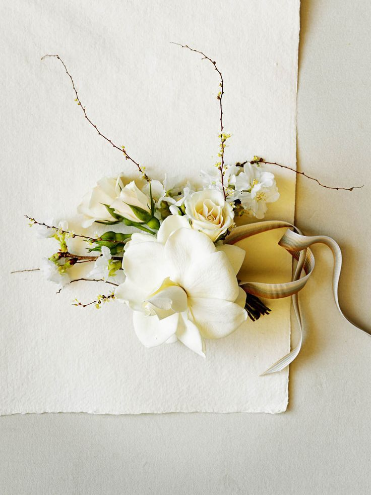 a corsage for the city hall bride | corsage with gardenia | Flowers by Scent via the BHLDN blog